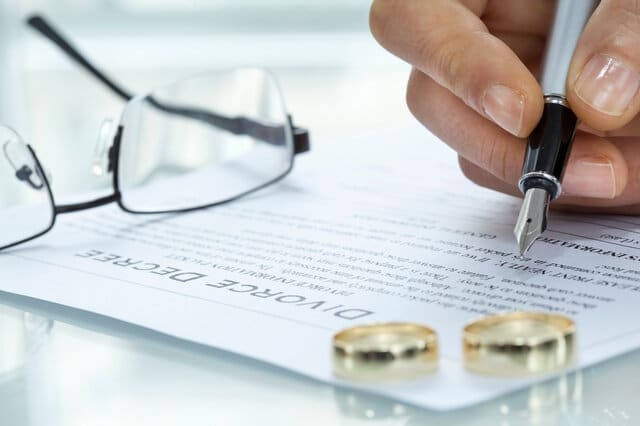 Pros and Cons of Legal Separation Versus Divorce